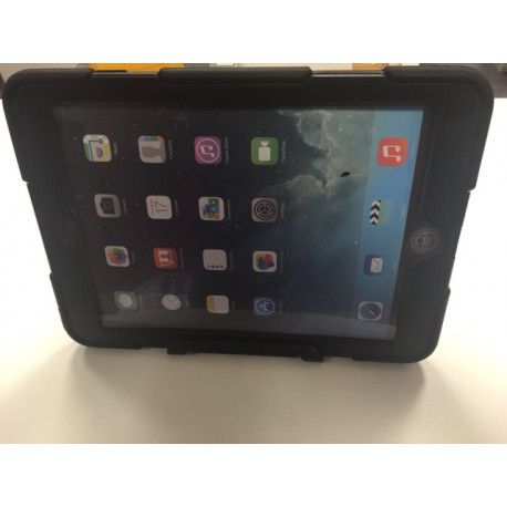 iPad air defend case with holder